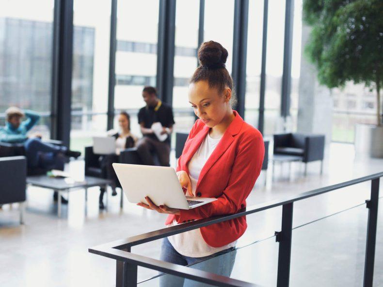 como-conciliar-trabalho-e-estudo-aprenda-com-essas-4-dicas